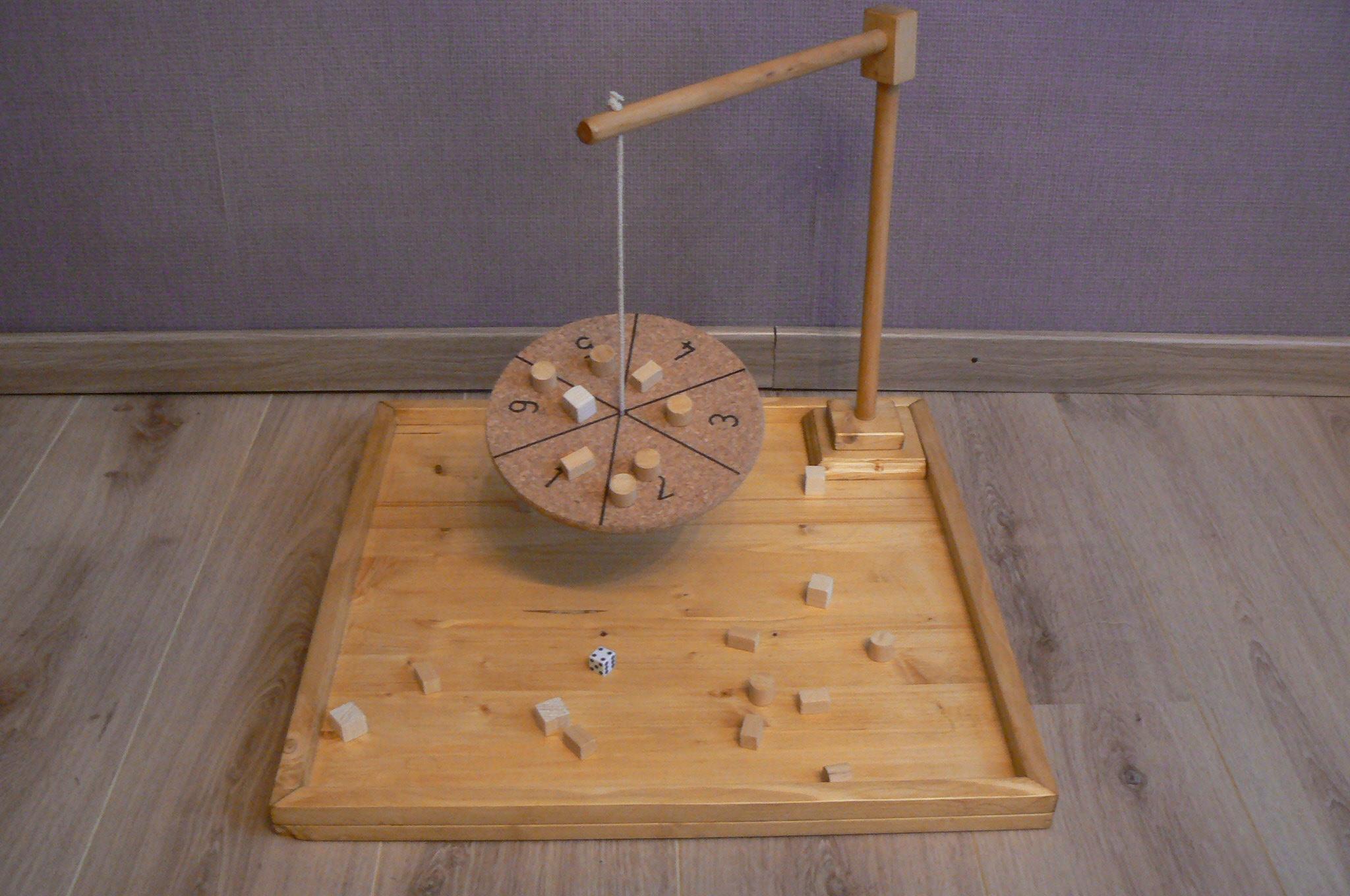 location jeux artisanaux en bois plateau quilibre b tonnets. Black Bedroom Furniture Sets. Home Design Ideas